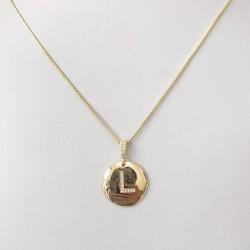 Detalhes do produto Colar Letra com zircônia folheado em ouro 18k